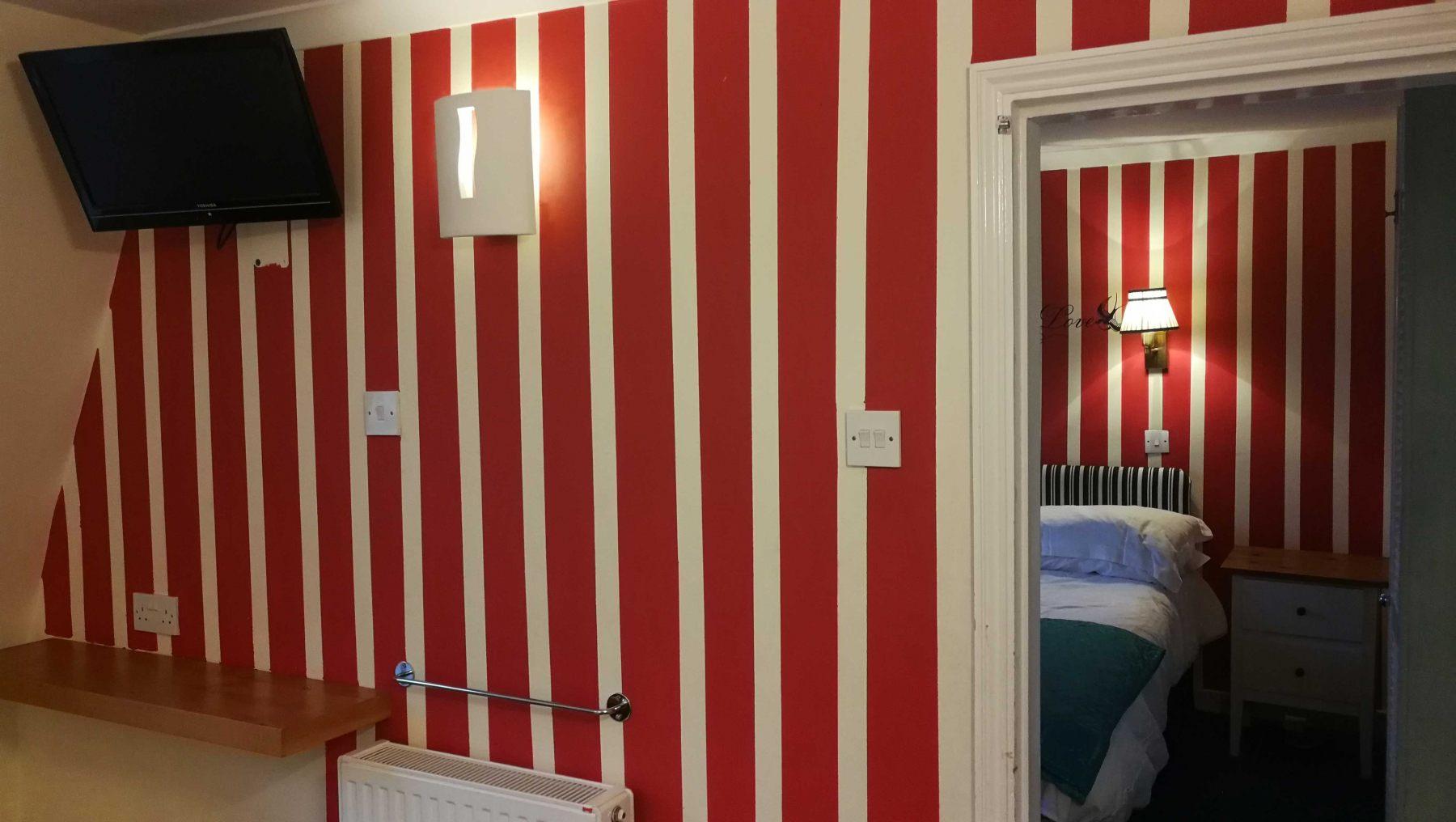 rs-3-tv-in-bedroom-2